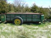 JOHN DEERE MANURE SPREADER GOOD CONDITION ASKING 2500$