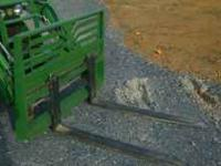 NEW Pallet forks made for John Deere quick attach. NEW