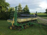 JD 7000 planter with updates. 8 row 30 inch finger