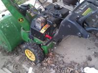 JohnDeere 2 Stage ,runs great ,like new ,had electric