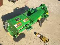 John Deere Tiller 540 RPM Used only twice Excellent