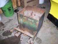 Factory equipment John Deere weight box ( ballast box