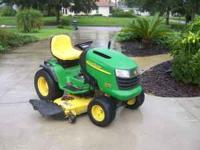 Eexcellent John Deere tractor. this is NOT Lowes or