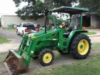 John Deere 870 4 wheel drive,quick attatch 440 loader