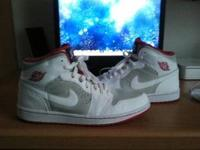 Selling my hare 1's sz 11 they are still in very good