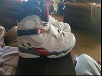 Retro 8 sz. 10.5 used has minor creases on the toe box