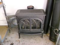 . Fantastic condition gas powered stove. It's a Jotul