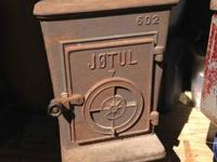 Jotul wood stove Model 602 for sale.  Minimize you