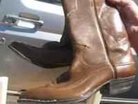im selling a pair of justin boots that are size 7 1/2