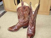 Nice Justin Cowboy Boots size 10 mens. Call  Location:
