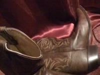 Justin Classic cowboy boots have versatile style for