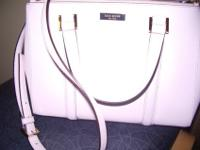 Wanting to get a different purse so selling my kate