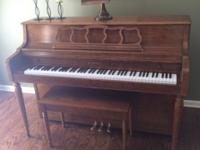 Kawai piano in excellent condition. Must be able to