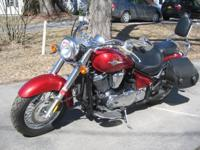 Up for sale is a Kawasaki 900 Vulcan Classic. This bike