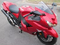 Year: 2010Exterior Color: Red Make:KawasakiEngine Size