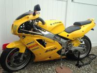 1992 KAWASAKI ZX7 CLASSIC WITH ONLY 11,000 MILES DRIVES