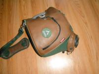. )LG.(STOHLQUIST )FLOATING DUFFLE GEAR BAG. (USED 2