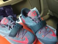"I'm selling my KD 7 ""Calm Before The Storm"" I paid $150"