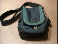 Two tone blue Keen Messanger Bag. These bags sell for