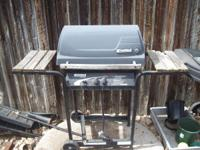 Kenmore Gas Grill In good condition Gas tank not