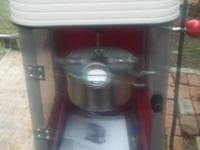 Nostalgia Electrics popcorn popper in great working