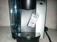 NEW Keurig B70 PLATINUM Brewing System It is NEW and in