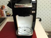Excellent Used Condition. Keurig Single Serve with 12
