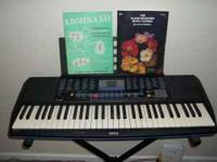 Yamaha Keyboard with Stand Two Music Books Excellent
