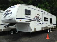 2004 KEYSTONE COUGAR Model M-281EFS - 5th wheel - One