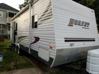 This 2006 Hornet Lite 25FL model By Keystone Has A Nice