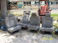Fit Kia Sedona 2002-2005. The middle and back row