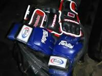 Brand new bag,brand new glove , gel filled gloves