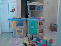 Nice set of kid play kitchen with complete play set,
