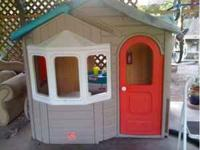 Step 2 outdoor playhouse in excellent condition. Paid
