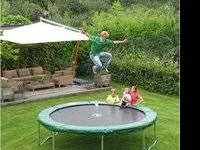 2011 Kid Wise 15ft Round Trampoline w/safety nets. It