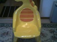 yellow color plastic /resin chair  Cash only 5 $