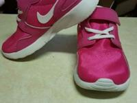 Brand new kids nike 9c size we bought them and they