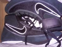 Nike Speedswee VII GS size 5y. Black and white with