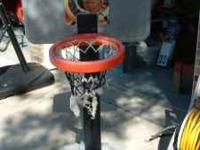 Kids basketball hoop. Great shape, Net may need to be
