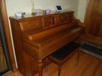 Hello, we have for sale a beautiful Kimbal Piano for