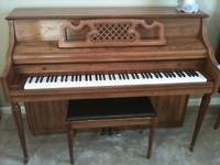Kimball console piano in good to excellent condition.
