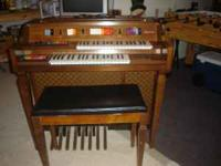 Kimball Aquarius Entertainer with bench. Has