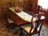 For sale is a Kincaid Dining set consisting of 5 chairs