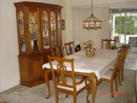 Kincaid Governor's Oak Dining Room Set This formal