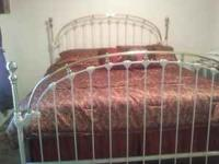 Im selling a king size bed (NO MATTRESSES) selling just