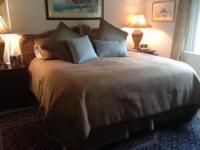 Tommy Bahama style, Master size comforter established.