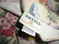 WAVERLY KING SIZE BEDSPREAD, 1 SHAM, 5 THROW PILLOWS TO