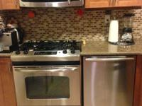 Fresh devices: BOSH dishwasher, GE stove, refrigerator