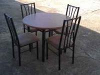 Selling this Bistro kitchen/dining room set. It comes