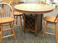 For Sale: Nice kitchen area dining set by Poundex as